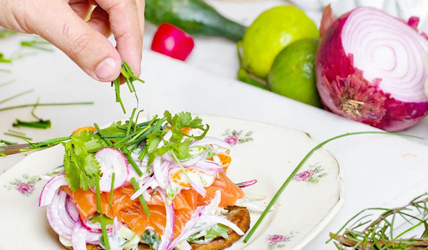 Étel szervírozása és díszítés