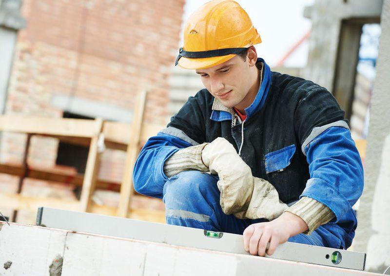 A kőműves tanfolyam elvégzése után számtalan tevékenységet folytathatsz az építőiparban.