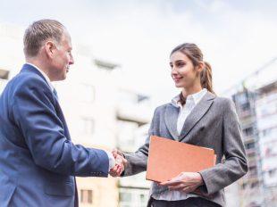 Az ingatlanközvetítő tanfolyam során elsajátíthatod a leghatékonyabb értékesítési technikákat