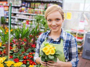 A virágbolti eladó tanfolyam felkészít a vevőkiszolgálásra is.