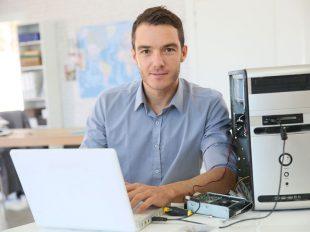 Az informatikai rendszerüzemeltető tanfolyam lehetővé teszi egy piacképes szakma elsajátítását, mellyel előkelő pozíciót vívhatsz ki magadnak egy sikeres cég munkatársaként.