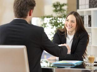 Ha értesz az emberek nyelvén és változatos munkára vágysz, akkor jelentkezz a Kereskedő OKJ-s képzésre és indítsd el saját vállalkozásodat!